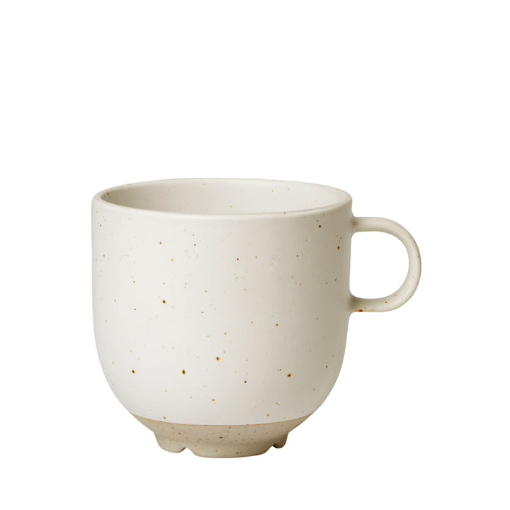 La tasse à anse Eli de Broste Copenhagen en soft light grey matt