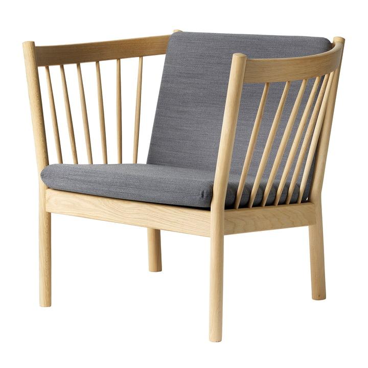Le fauteuil lounge J146 de FDB Møbler en chêne naturel / Gabriel Crisp