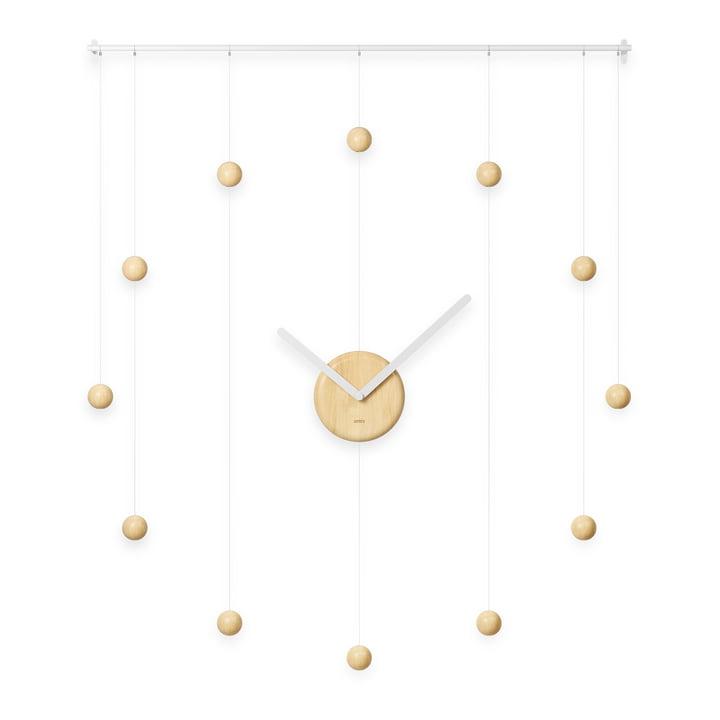 L'horloge murale Hangtime de Umbra , 64 x 74 cm, en bois naturel