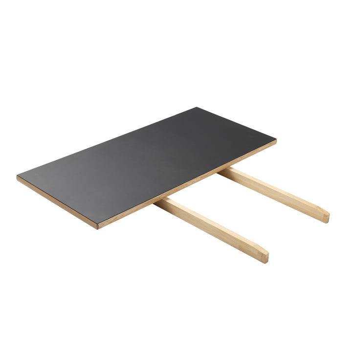La rallonge de table pour la table de salle à manger C35C de FDB Møbler , chêne laqué mat / linoléum noir