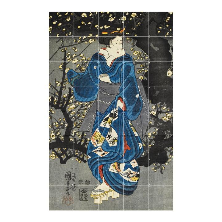 Woman by a plum tree of light Peinture murale de IXXI au format 100 x 160 cm