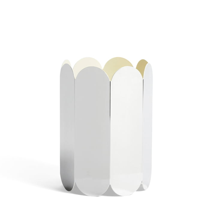 Arcs Vase de Hay dans le miroir d'interprétation