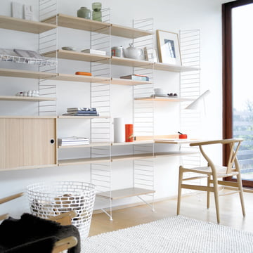 Système d'étagères String, chêne / blanc, ambiance