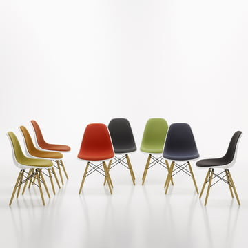 Eames Plastic Side Chair DSW par Vitra avec rembourrage