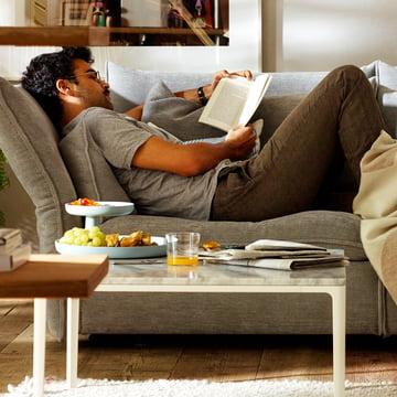 Détendez-vous avec le canapé Mariposa & Rotary Tray.