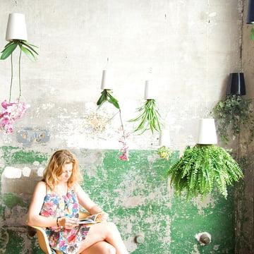 Boskke - Sky Planter Ceramic, femme dans la zone d'attente verte