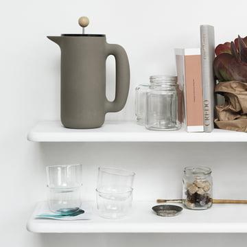 Muuto - Cafetière Push gris pierre, sur l'étagère