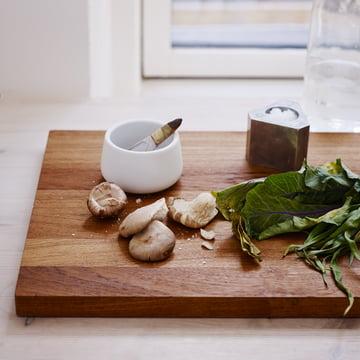 La planche à découper Basic est utile dans toutes les cuisines.