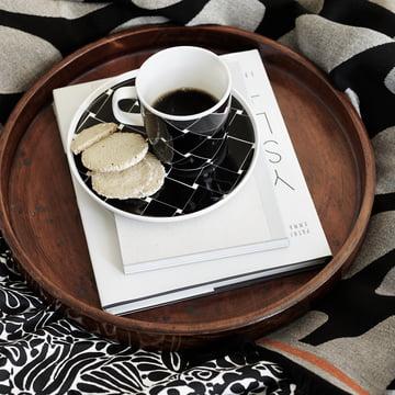 Assiette et tasse à anse de la série Basket de Marimekko