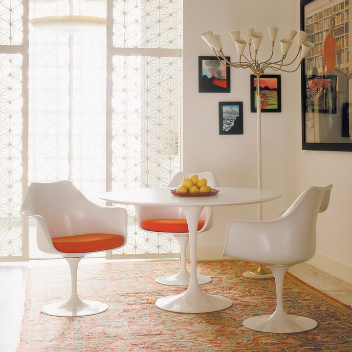 table gu ridon saarinen tulip de knoll. Black Bedroom Furniture Sets. Home Design Ideas