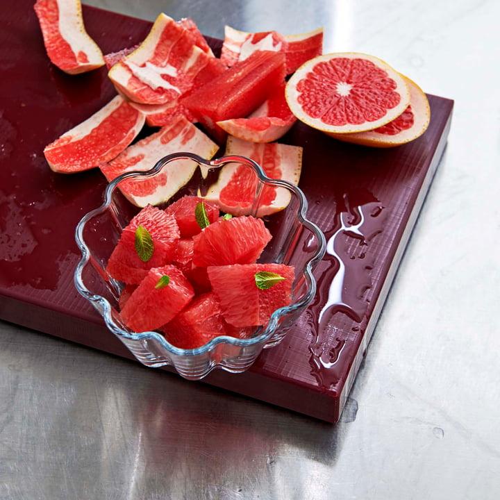 Planche à découper rectangulaire et coupe à dessert en verre par Hay